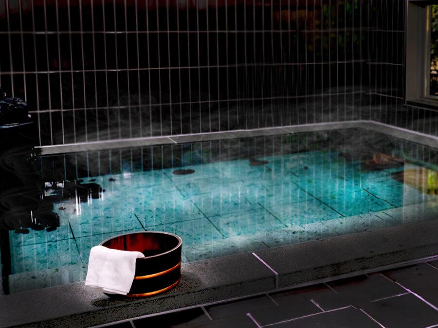 【浴堂とは?】入浴の起源は仏教が日本に伝来したのと同時であり、寺院が「浴堂」と呼ばれる「身を清めるための施設」を設置したのが起源とされています。