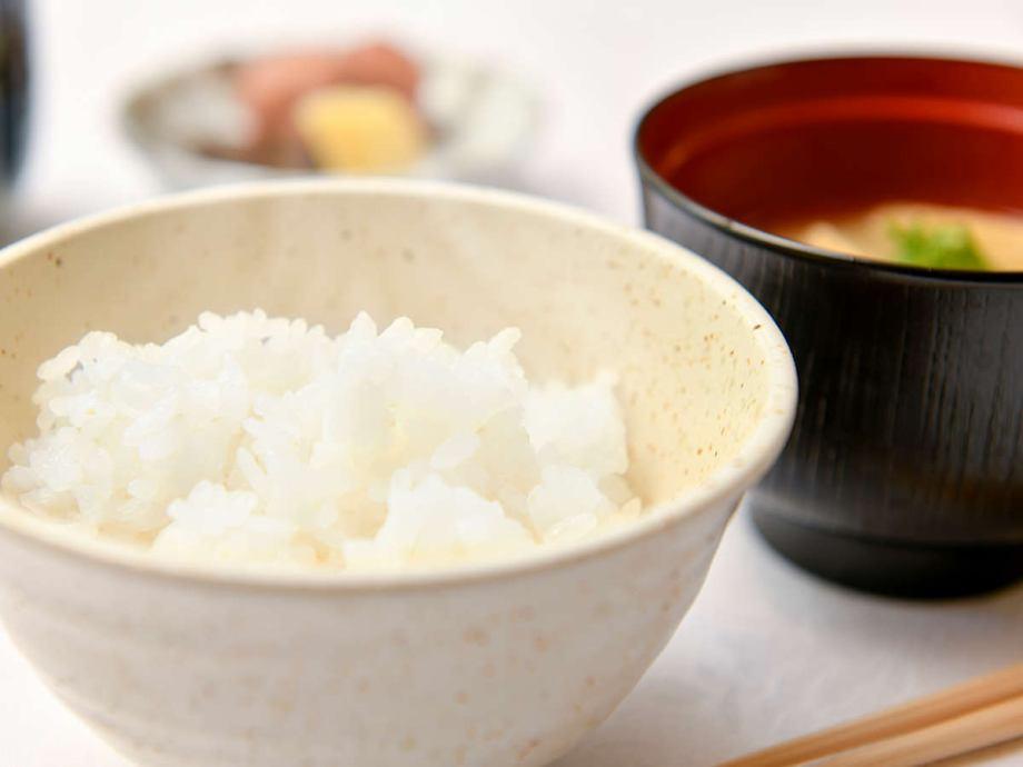 奈良県産「ヒノヒカリ」は、財団法人日本穀物検定協会の「米食味ランキング」で6年連続「特A」を受賞し、近畿でも有数のブランド米です。<br /> 適度な歯ごたえと粘り、光沢があり豊かで深い甘みをもつバランスのとれたお米です。<br />  是非、ご賞味ください!